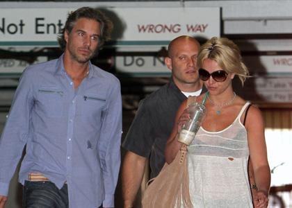 britney-spears-jason-dr-office