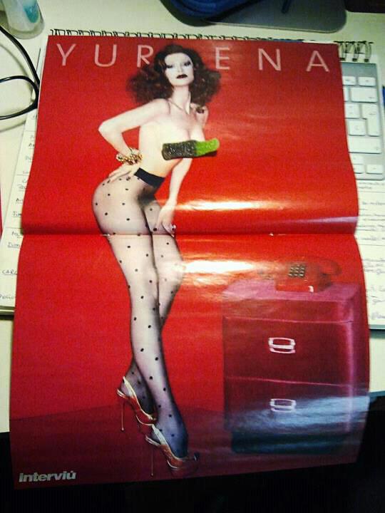 Yurena de nuevo en pelotas: primeras reacciones tras su polémico desnudo en Interviú  El Cajon Desastre  Yurena travestis travesti Tamara portada interviu fotos famosos desnuda Ambar
