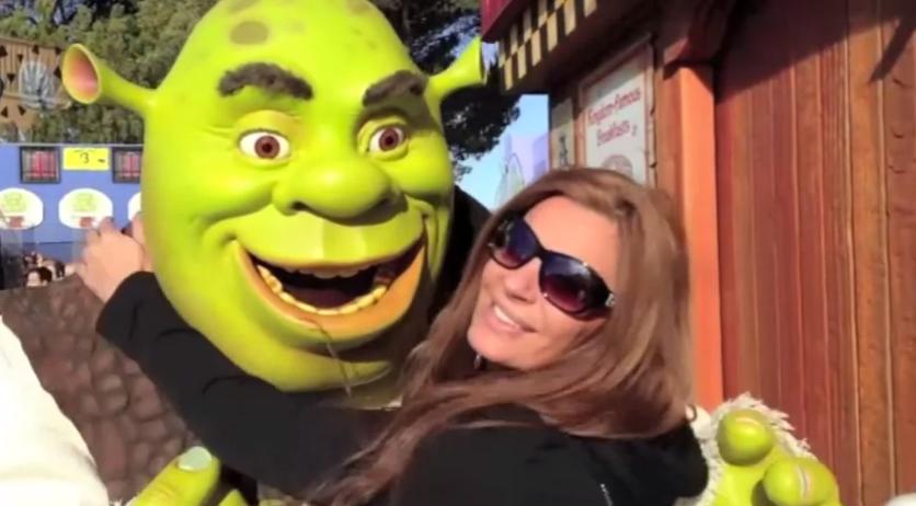 Shrek asustado viendo la que se le viene encima