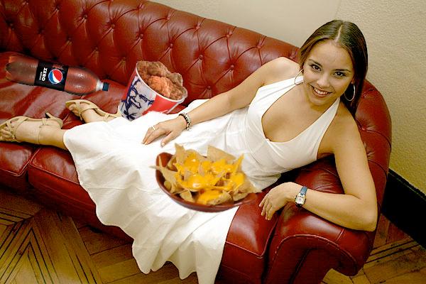 chenoa_comiendo_nachos