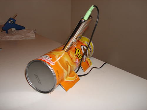 pringle-can-ipod-dock