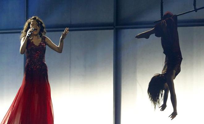 Azerbaiyán, con una actuación circense que solo gustó en San Marino