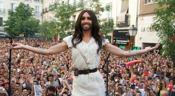 Conchita Wurst, aclamada por el público madrileño.