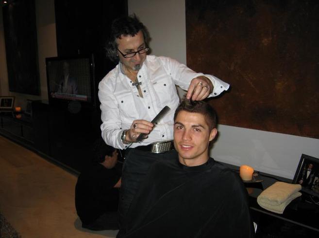 Fotografía titulada: peluquero y gay.