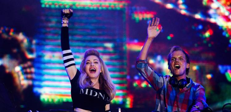 Madonna absorbiendo la vitalidad de Aviicii